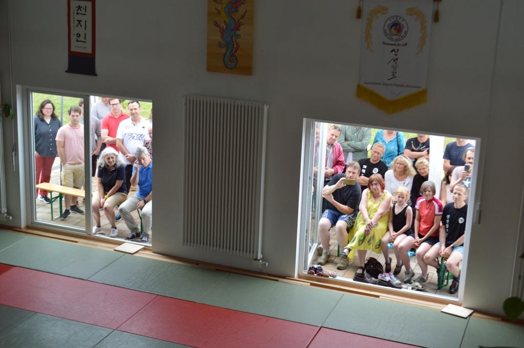 Zuschauer am Tag der offenen Tür
